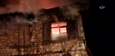 97 yaşındaki kadın evinde çıkan yangında hayatını kaybetti