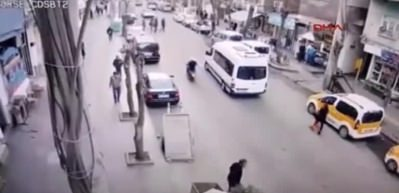 Diyarbakır'da yankesicilik ve kapkaç anları kamerada