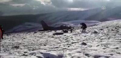 Isparta'da düşen uçağın enkazına ulaşıldı!