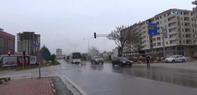 ÖSO, yaklaşık 17 otobüs ile Suriye'ye gitmek için sınıra geldi
