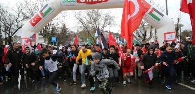 Üsküdar'da binlerce kişi Kudüs için koştu