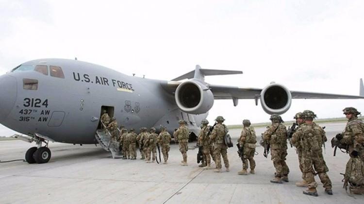 Amerikan askerleri Rus sınırında!