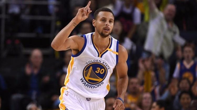 Warriors'dan Stephen Curry'ye rekor sözleşme!