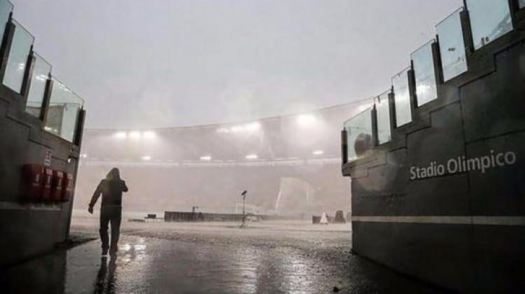 İtalya'da futbola yağmur engeli!