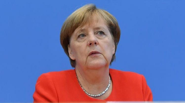 12 dev Merkel'i yolda bıraktı! Almanya'dan kaçış