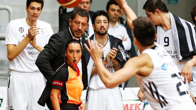 Beşiktaş evinde neye uğradığını şaşırdı!