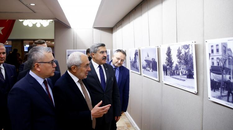 """Cam negatiflerde İstanbul'un İzleri"" sergisi"