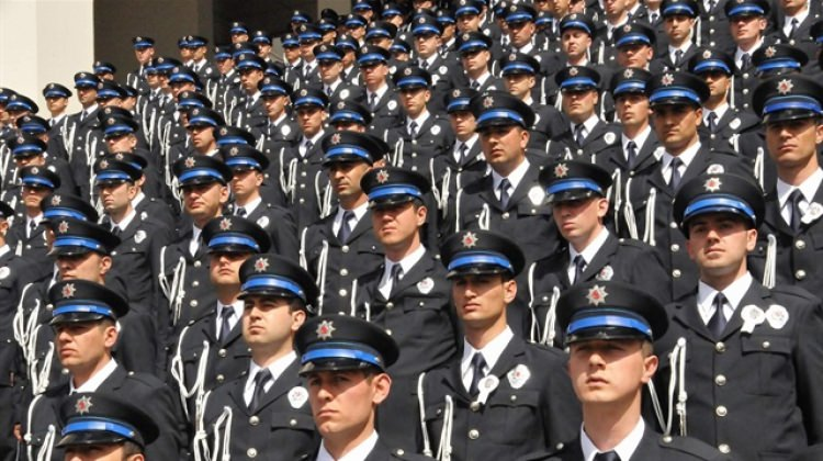 Yeni KHK ile EGM'ye 11 bin 500 polis alımı olacak mı? Başvuru şartları...