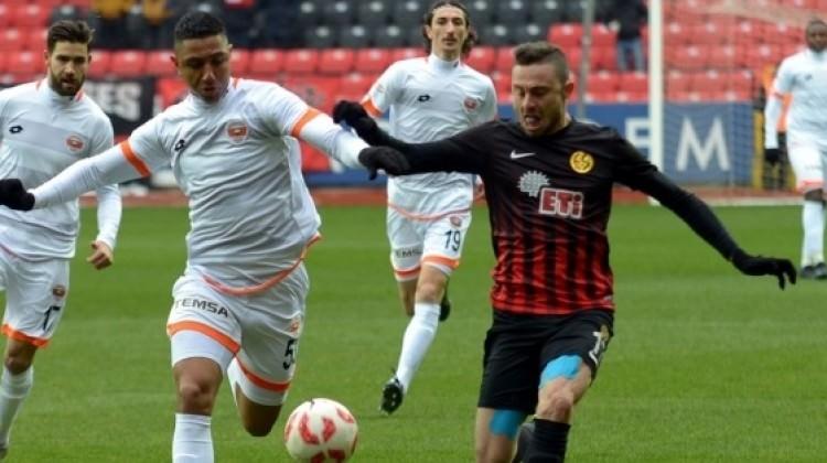 Adanaspor, Es Es'i geriden gelip yıktı