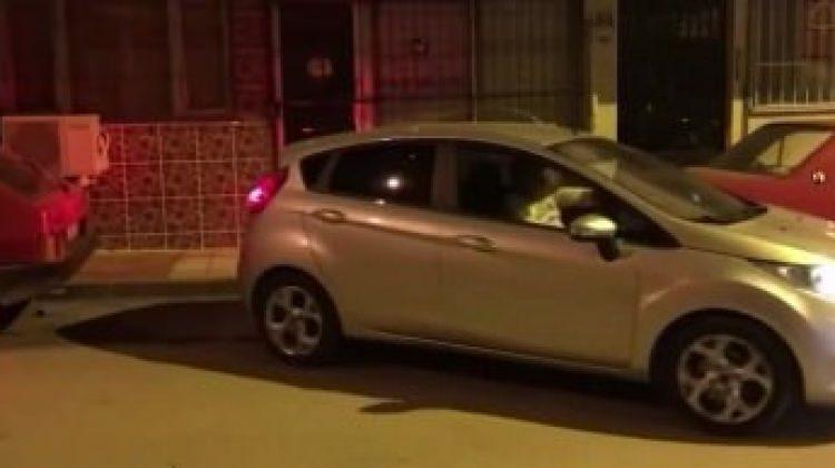 Daracık yere aracını bakın nasıl park etti