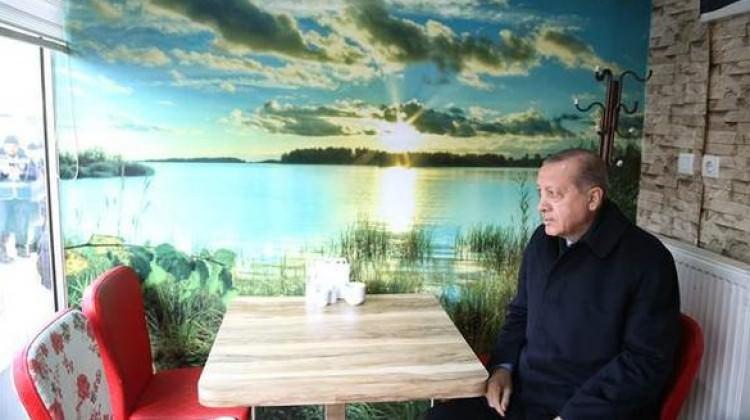 Cumhurbaşkanı Erdoğan, ricasını kırmayıp gitti!