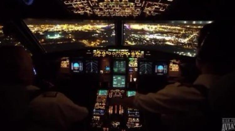 Gece iniş yapan uçağın kokpit görüntüsü!