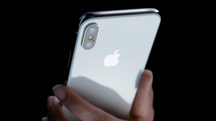 Apple'dan sürpriz: iPhone XL geliyor!