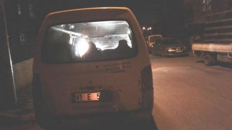 Çaldığı minibüsün yakıtı bitince...