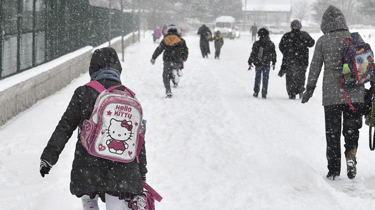 Ardahan'da bugün ve yarın tüm okullar tatil mi? (10 Ocak)