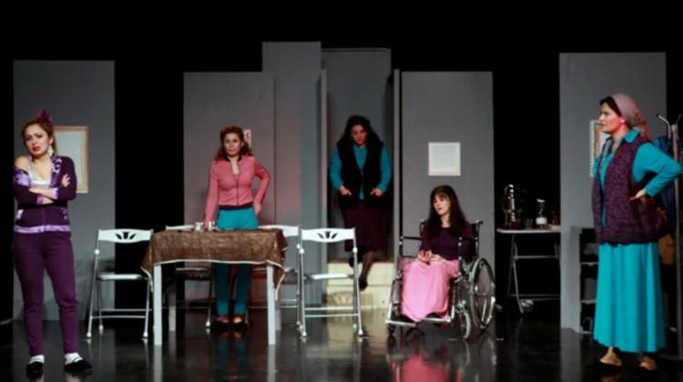 Kadına yönelik şiddet ''MOR'' ile tiyatroda