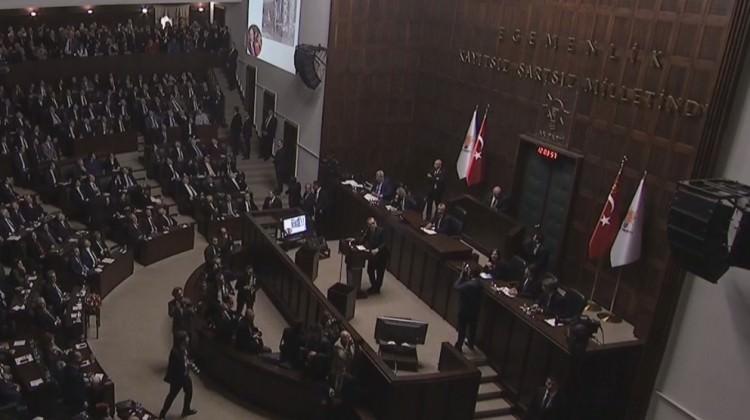 Erdoğan grup toplantısında o tweetleri gösterdi