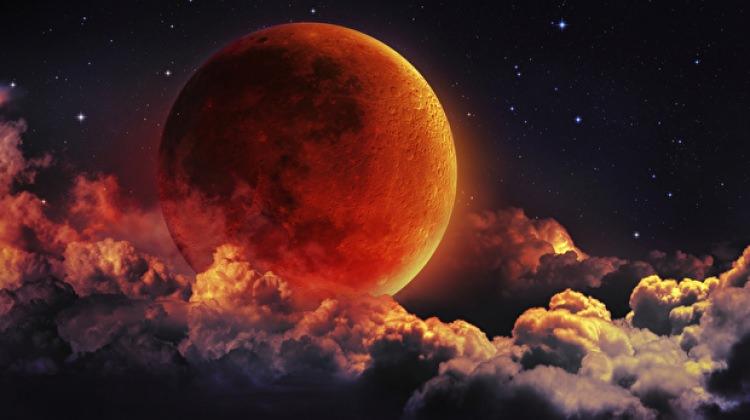 Süper, Kanlı ve Mavi Ay Tutulması meydana gelecek! Ay tutulması ne zaman?