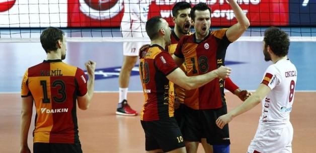 Galatasaray tur kapısını araladı