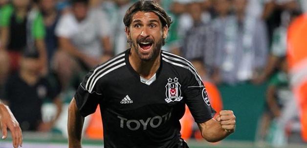Escude: Beşiktaş'ta forma giymek büyük onur