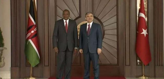 Kenyalı Kenyatta Köşk'te