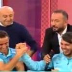 Milli futbolcudan canlı yayında evlenme teklifi!