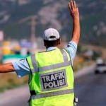 Polise rüşvet teklif ettiğine pişman ettiler!
