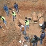Mersin'de bir arazide bulunan lahitler inceleniyor