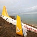Pistten çıkan uçak 1.5 metre daha denize kaydı!