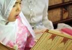 4 Yaşında tecvitle Kur'an okuyor