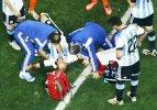 Arjantin - Hollanda maçında tehlikeli an