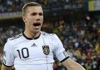 Lukas Podolski kadrodan çıkarıldı
