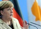 Merkel'in partisine anket şoku