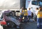 Otomobil TIR'la çarpıştı: 3 ölü