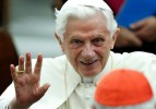 Papa'nın yüzüğü çekiçle kırılacak