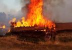 Sinop'ta 2 kardeş yanarak öldü