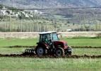 Çiftçiye makine yardımı